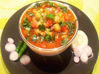 Chhole or Chana masala, Step by step Chole recipe.